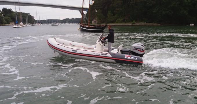 Boat rental Bono cheap Valiant 525 Sport