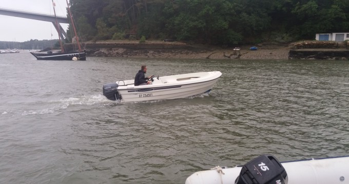 Rental Motorboat Crescent with a permit