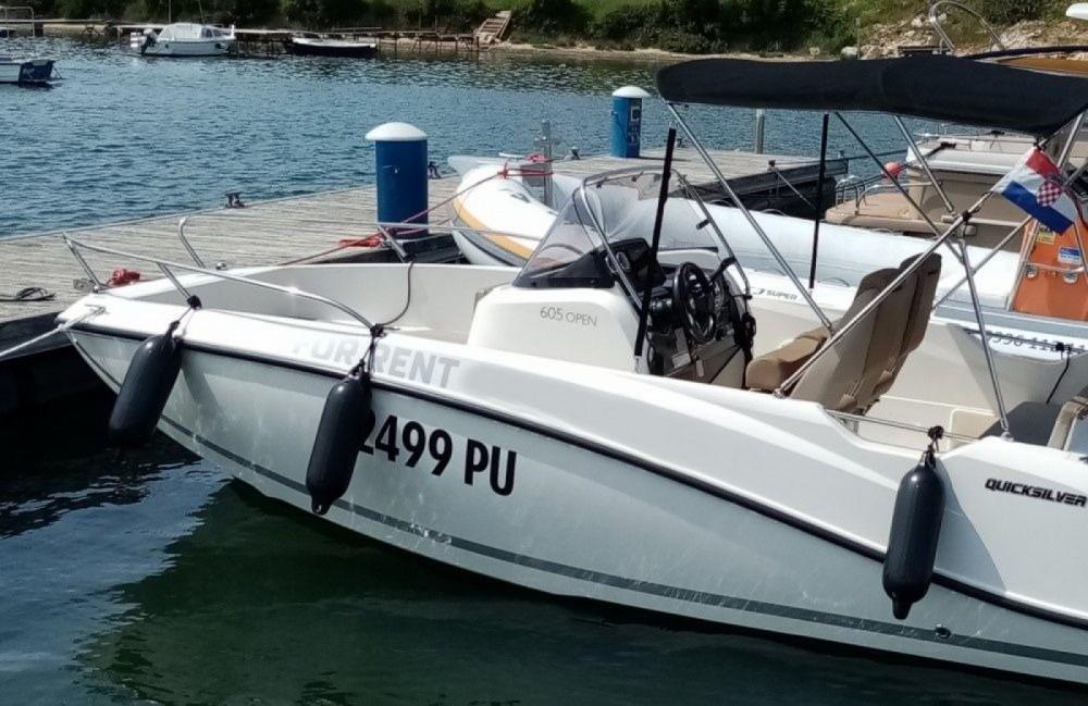 Boat rental Grad Pula cheap Active 605 Open