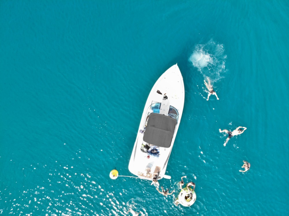 Hire Motor boat with or without skipper Doral ACI Marina Pula