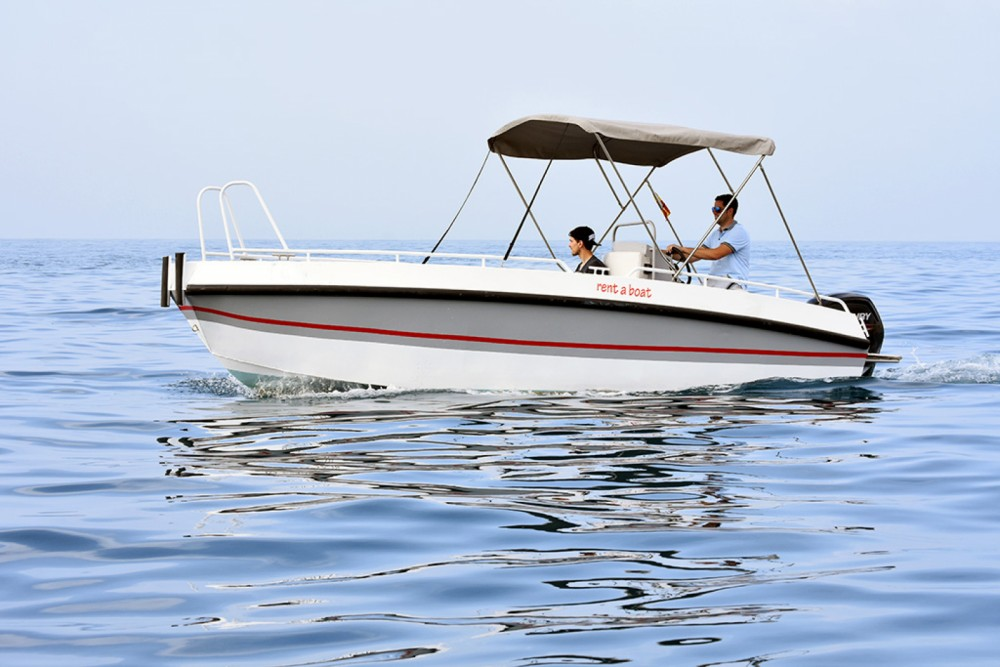 Rental Motorboat Gasparet with a permit