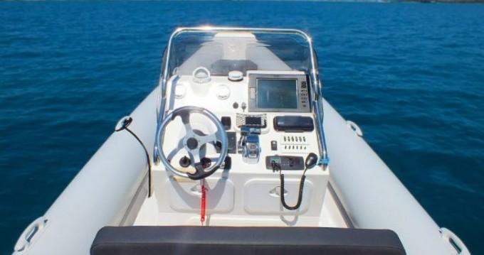 Rental yacht Lefkas Egremni - Scorpion 810 on SamBoat
