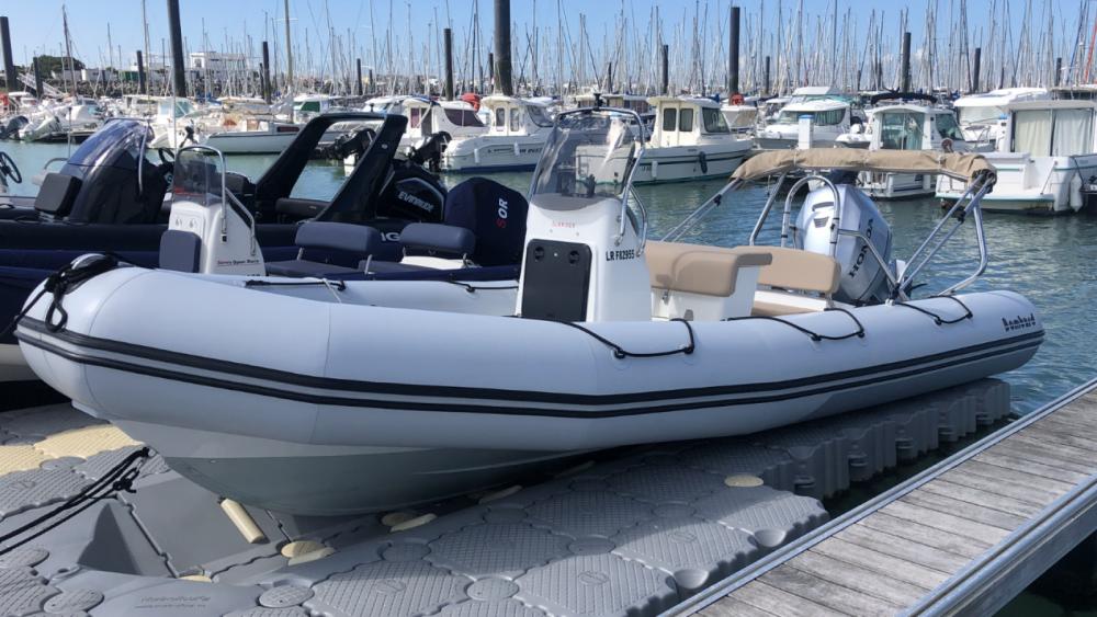 Boat rental Bombard Sunrider 650 in La Rochelle on Samboat