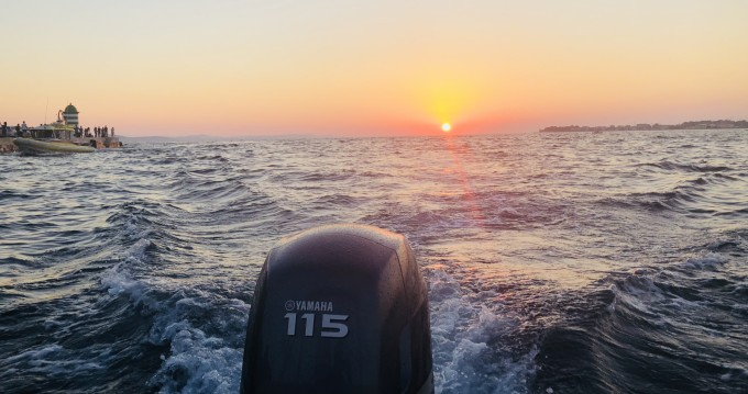 Rental yacht Preko - Coverline pescosa 5.50 on SamBoat