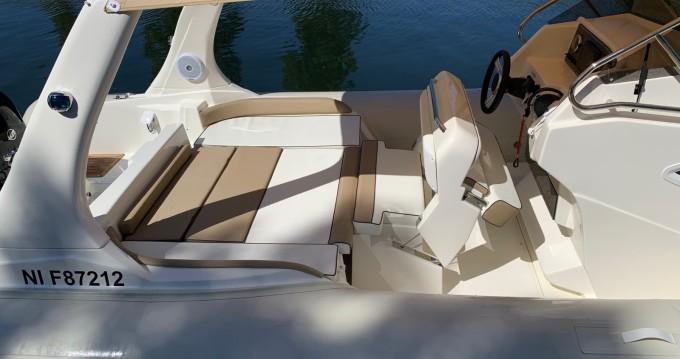 Boat rental Lomac MERCURY in Cannes on Samboat