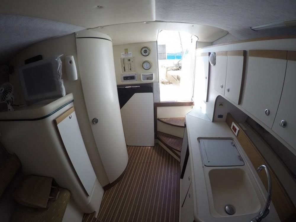 Rental Yacht in Nafpaktos - Cruisers Rogue 2670