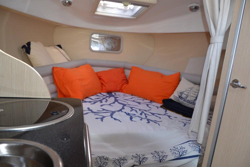 Boat rental San Felice Circeo cheap Saver 750 Cabin