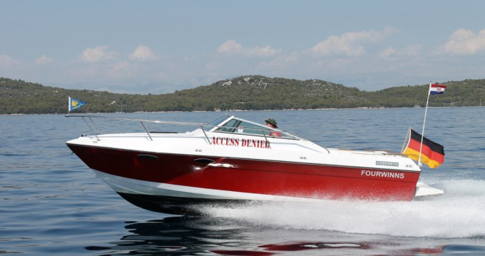 Hire Motorboat with or without skipper Four Winns Empuriabrava