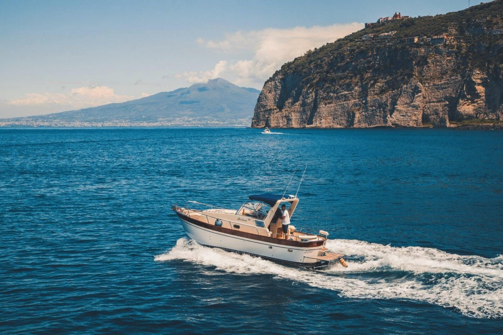Boat rental Di Luccia 28 Orione Cabin in Piano di Sorrento on Samboat