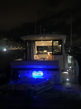 Motorboat for rent Capri at the best price