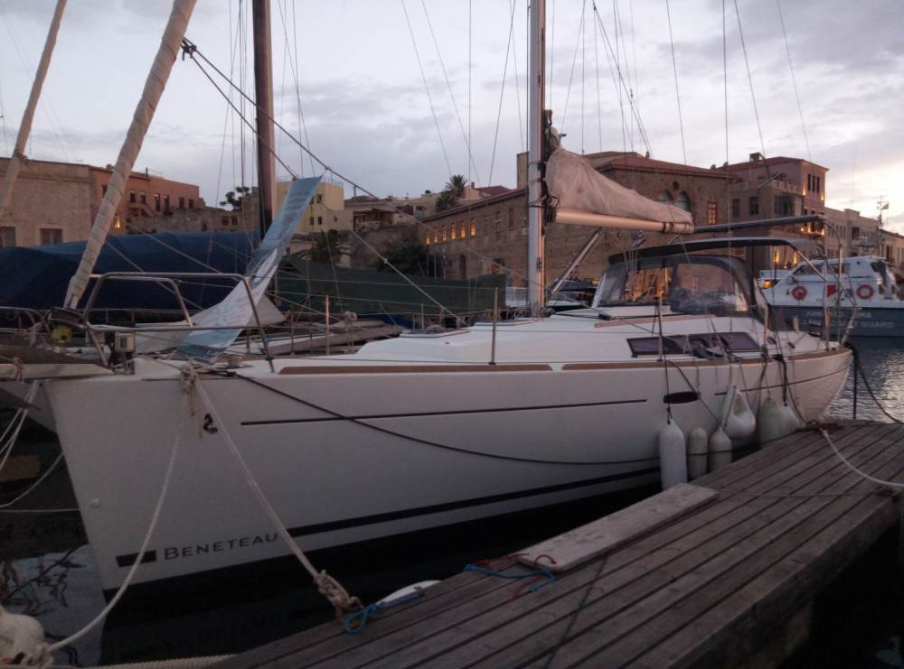 Hire Sailboat with or without skipper Bénéteau Chania
