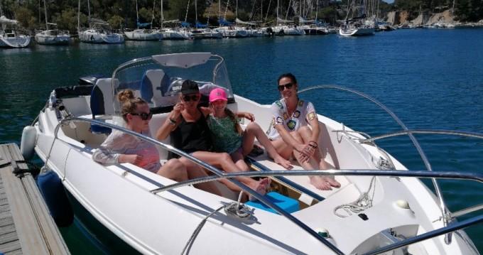Rental Motorboat in La Ciotat - Quicksilver Quicksilver 635