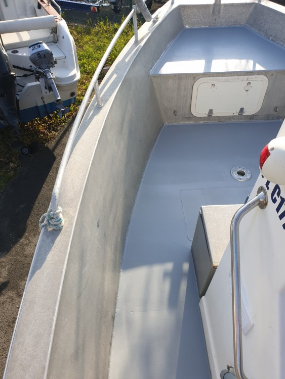 Rental Motorboat in Paimpol - Bord-A-Bord Dervinis 620