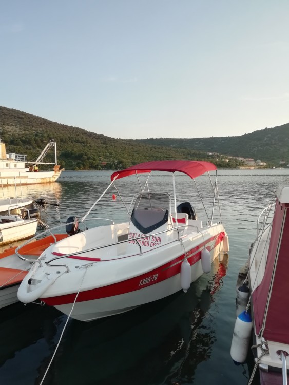 Boat rental Salmeri Syros 190 in Vinišće on Samboat