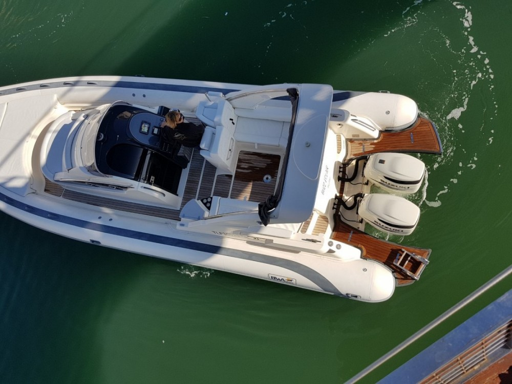 Hire RIB with or without skipper Bwa Fréjus