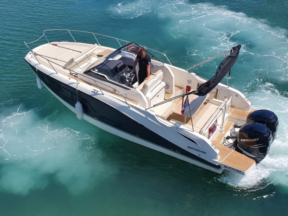 Boat rental Quicksilver Activ 875 Sun Deck in Fréjus on Samboat