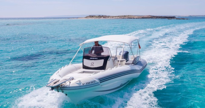 Zodiac NZ-O 760 between personal and professional Ibiza Town