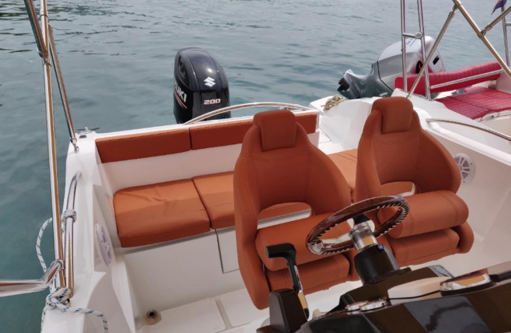 Rental Motorboat in  - Okiboats Barracuda 686 WA