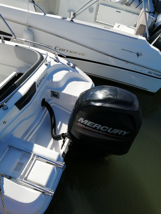 Boat rental Ranieri Voyager 19 S in Arcachon on Samboat