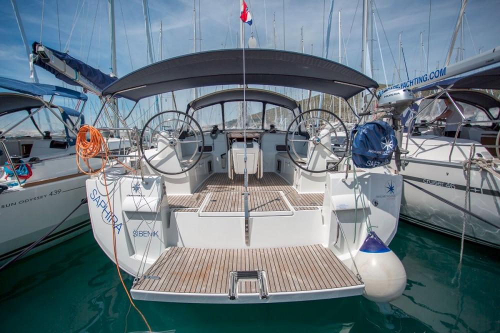 Boat rental Jeanneau Sun Odyssey 509 - 5 + 1 cab. in Croatia on Samboat