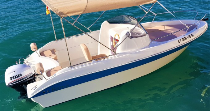 Rent a Remus Remus 550 open Torrevieja