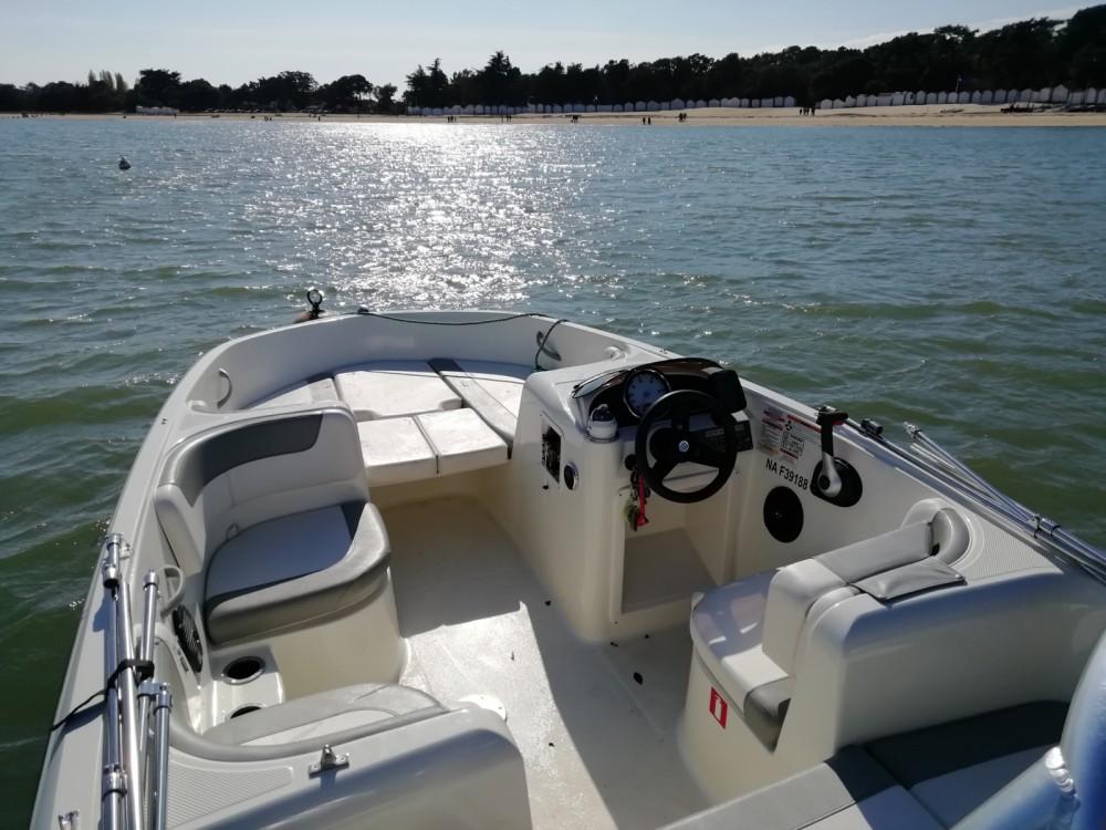 Rental yacht Noirmoutier-en-l'Île - Bayliner Element E5 on SamBoat