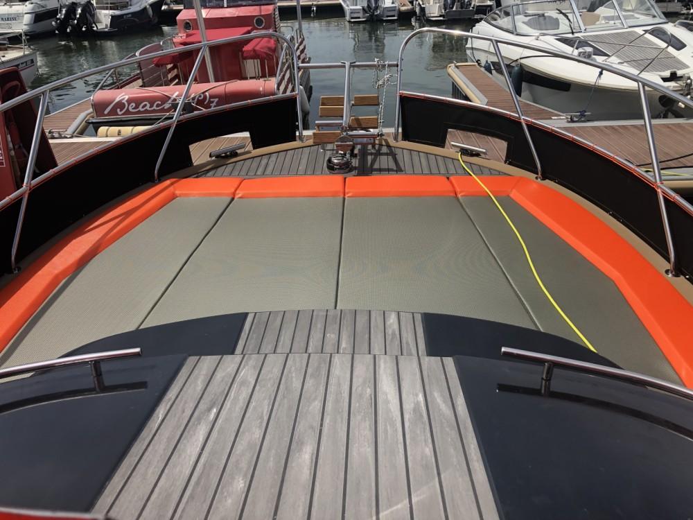 Rental Motorboat in Arcachon - Beacher Beacher V10.2 Croisière