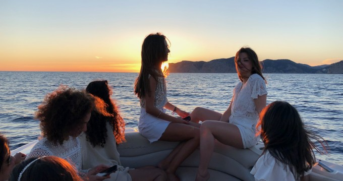 Motorboat for rent Santa Ponsa at the best price