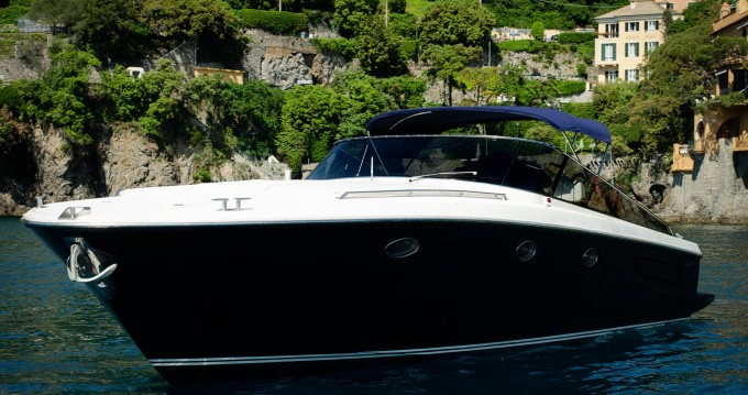 Itama Forty between personal and professional Portofino