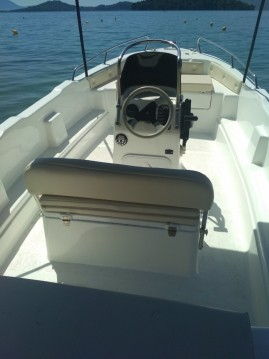 Hire Motorboat with or without skipper PROTEFS AVEE Perigiali