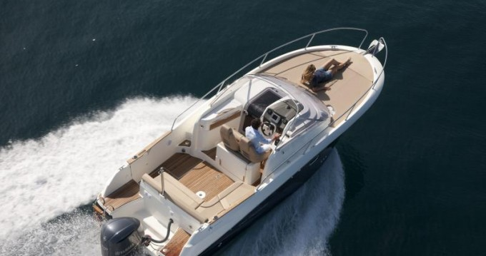 Hire Motorboat with or without skipper Jeanneau Nice