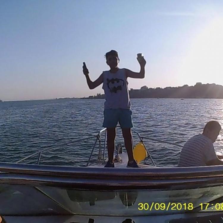 Boat rental Sidi Bou Said cheap  2010