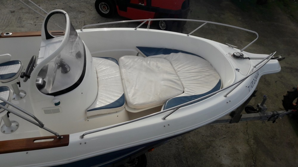 Motorboat for rent Galicia at the best price