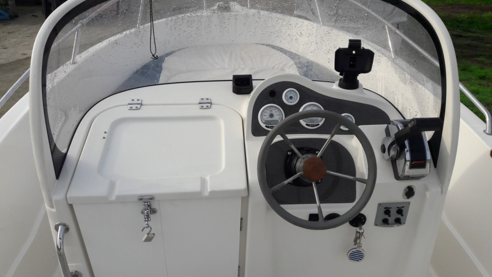 Hire Motorboat with or without skipper Quicksilver Galicia