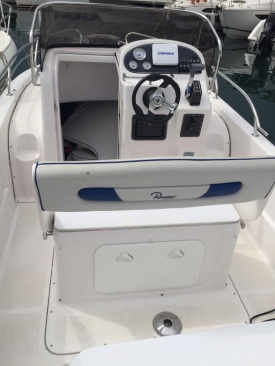 Rental Motorboat in Mandelieu-la-Napoule - Ranieri Shadow 20
