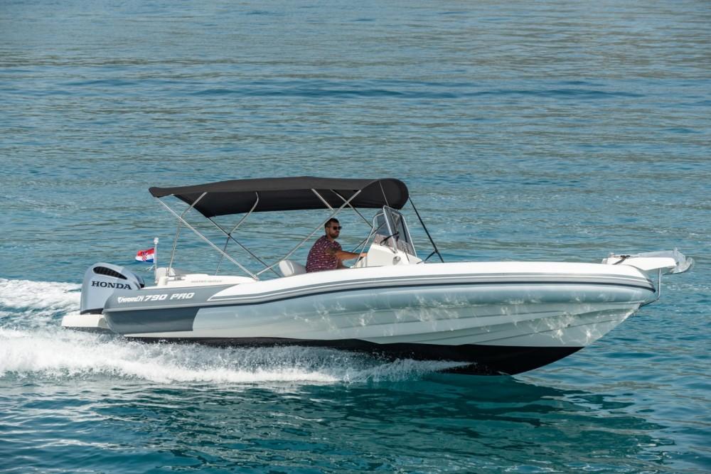 Rent a Marlin Boat 790 Pro Dynamic Trogir