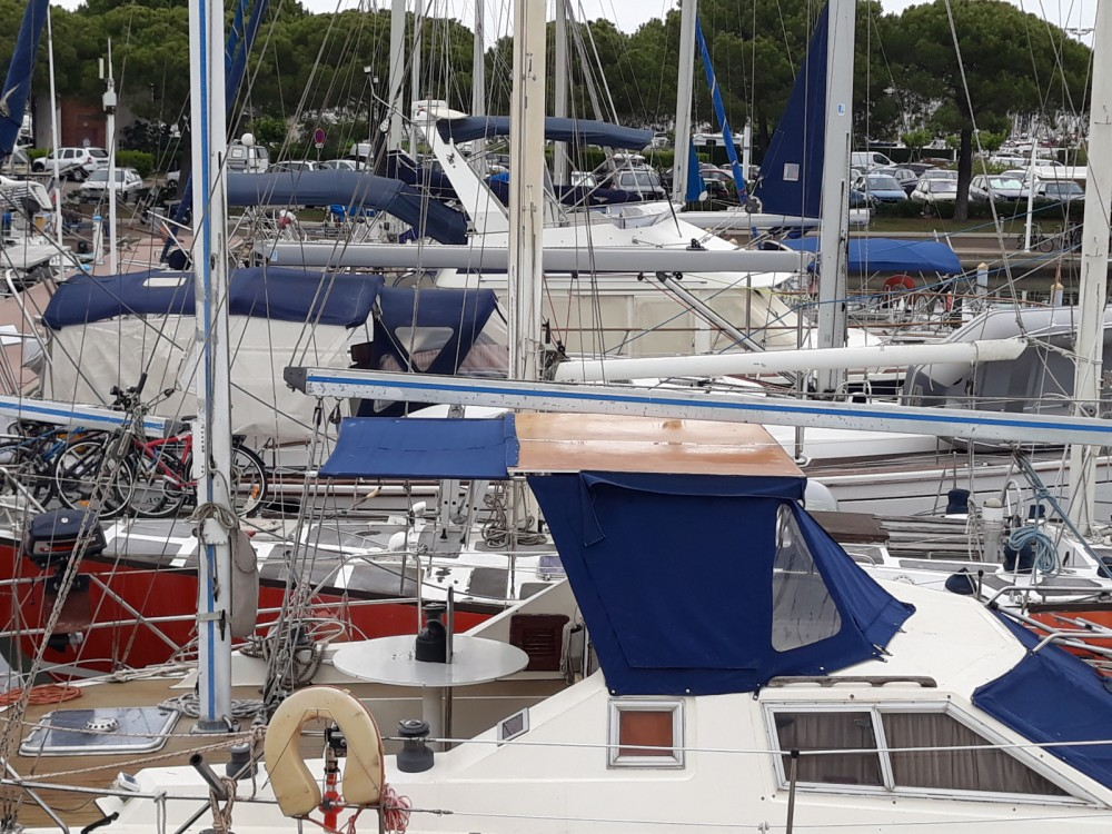Rental yacht Le Grau-du-Roi - AZZARO JOLLY MOTOR on SamBoat