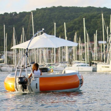Artthink GmbH BBQ Donuts Boat between personal and professional Le Marin