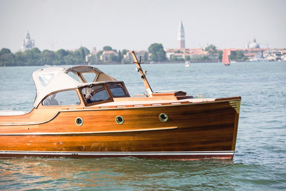 Rent a Pettersson Model R29 OC Pettersson Model R29 OC Venice