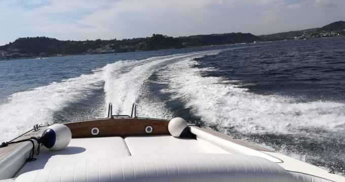 Motorboat for rent Bacoli at the best price