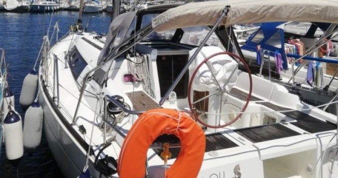 Sailboat for rent Île des Embiez at the best price