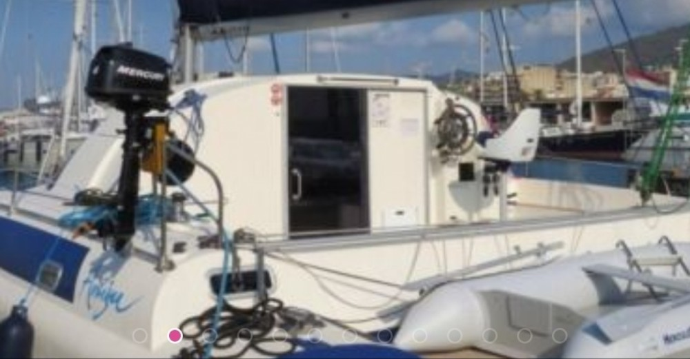 Rental Catamaran in Premià de Mar - Fountaine Pajot Antigua 37