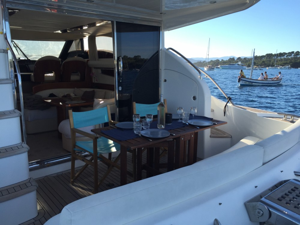 Princess Princess P42 between personal and professional Cannes