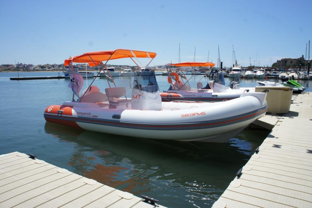 Boat rental Capelli Tempest 625 in Algarve on Samboat