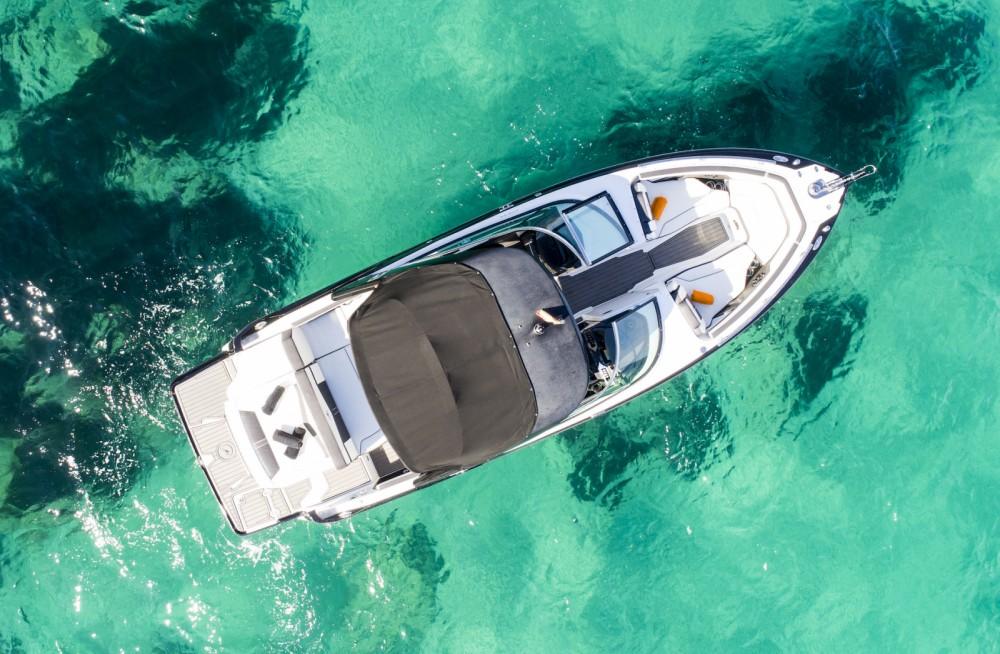Boat rental Monterey 278 ss in Ibiza on Samboat