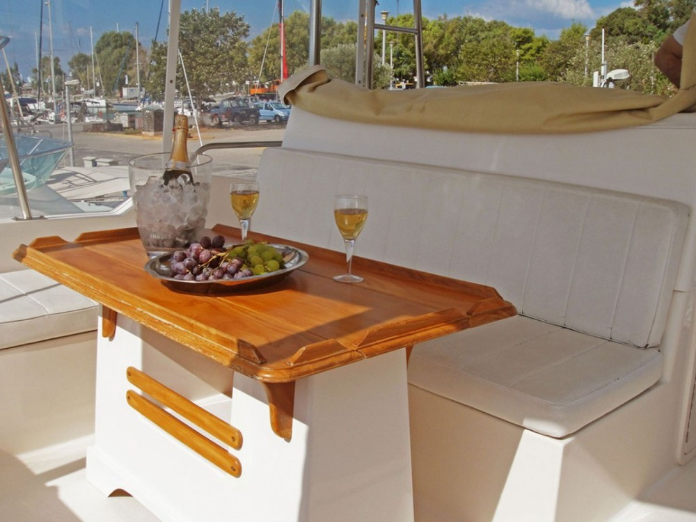 Boat rental Athens cheap 48
