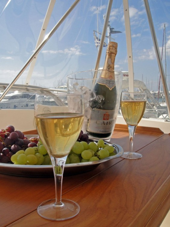 Rental Motorboat in Athens - Riviera 48