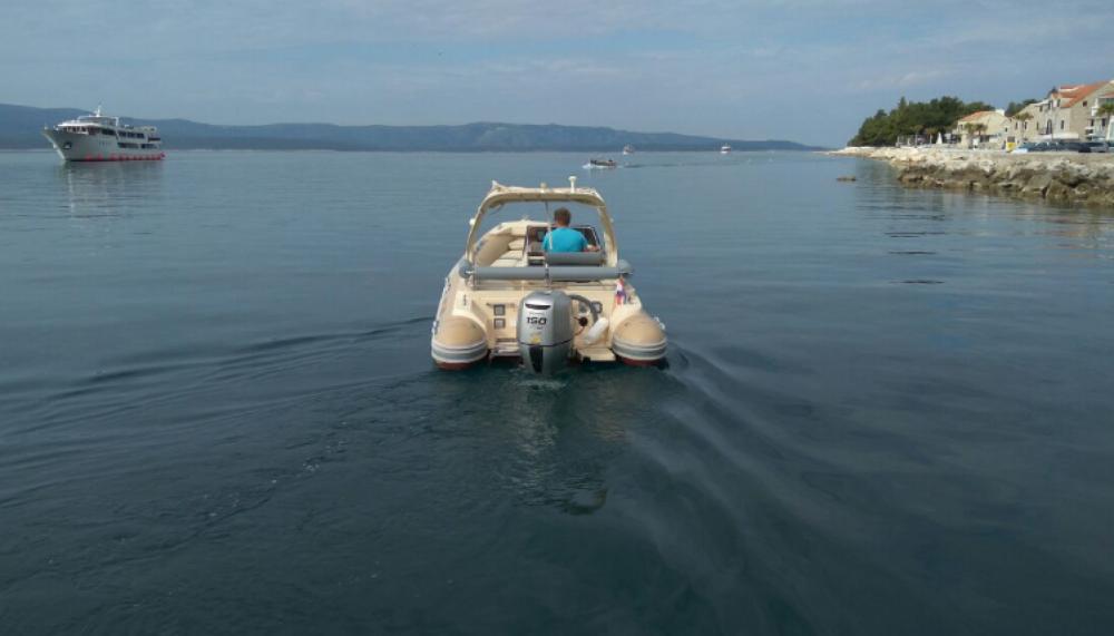 Boat rental Solemar B 58 offshore in Bol on Samboat