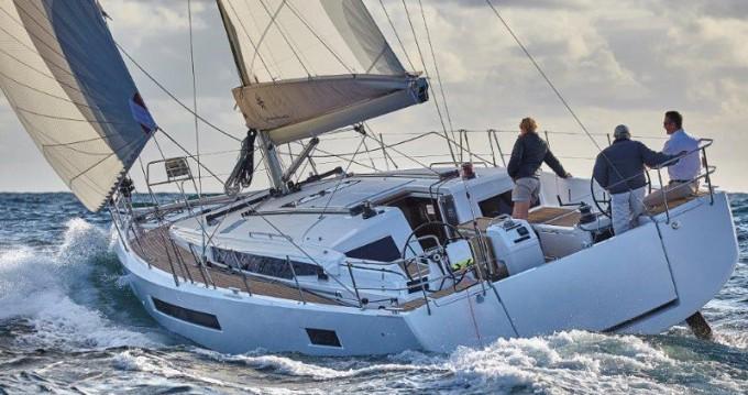 Boat rental Jeanneau Sun Odyssey 490 in Paros Island on Samboat