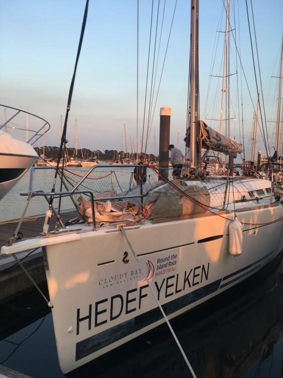 Rental yacht Southampton - Bénéteau First 35 on SamBoat